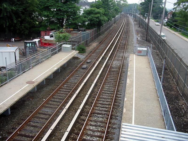 (151k, 800x600)<br><b>Country:</b> United States<br><b>City:</b> New York<br><b>System:</b> New York City Transit<br><b>Line:</b> SIRT<br><b>Location:</b> Atlantic<br><b>Photo by:</b> Christopher Rivera<br><b>Date:</b> 8/18/2003<br><b>Viewed (this week/total):</b> 0 / 4717