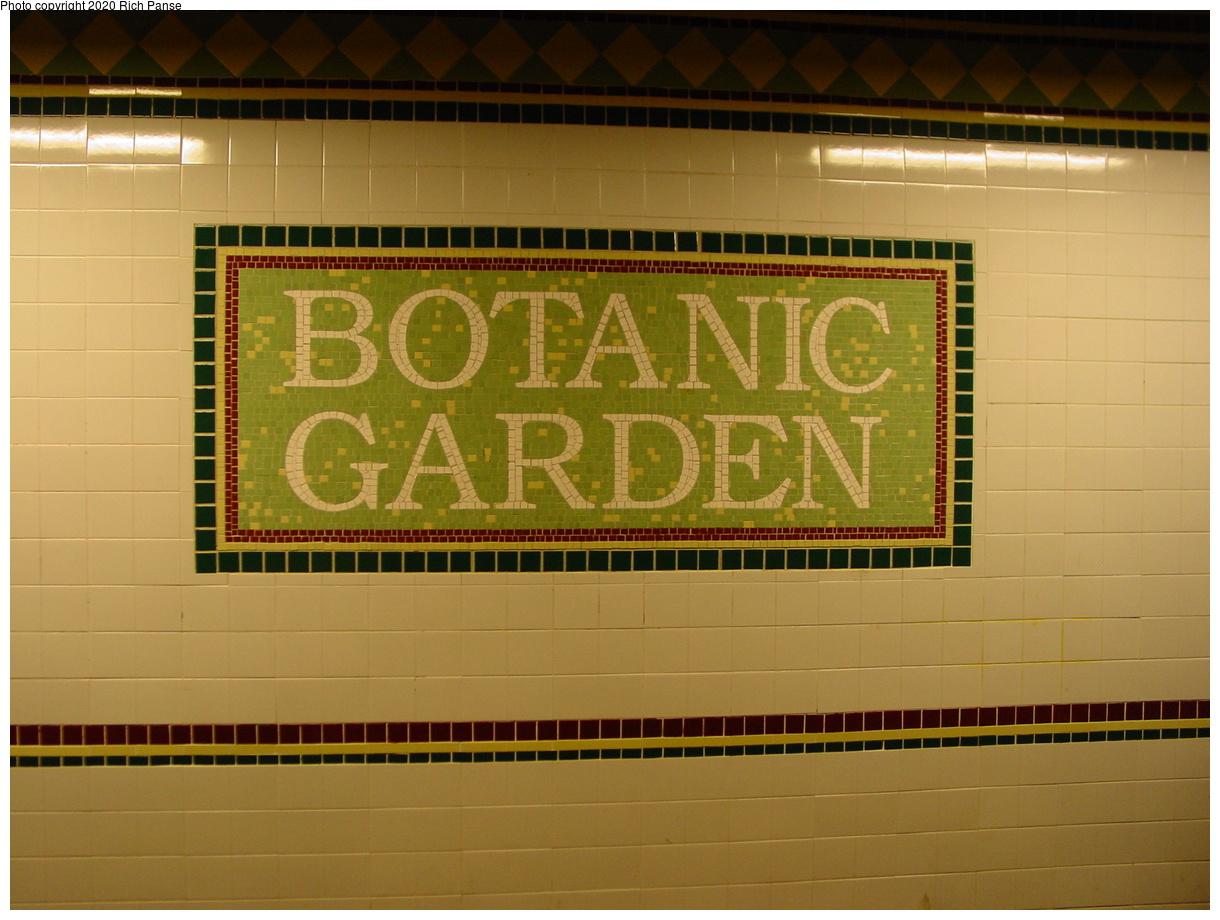 (370k, 1220x920)<br><b>Country:</b> United States<br><b>City:</b> New York<br><b>System:</b> New York City Transit<br><b>Line:</b> BMT Franklin Shuttle<br><b>Location:</b> Botanic Garden<br><b>Photo by:</b> Richard Panse<br><b>Date:</b> 2/29/2004<br><b>Viewed (this week/total):</b> 4 / 5520