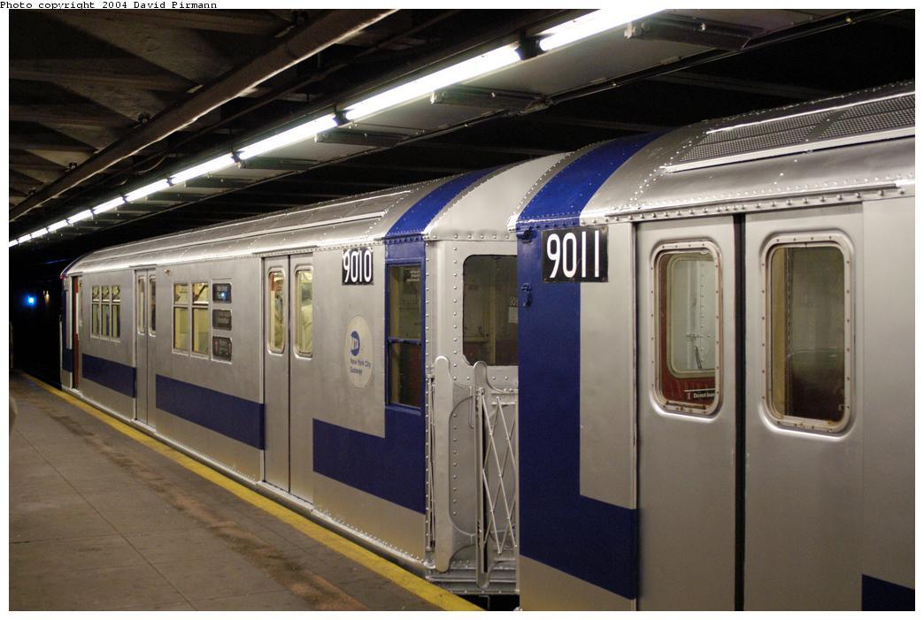 (154k, 1044x701)<br><b>Country:</b> United States<br><b>City:</b> New York<br><b>System:</b> New York City Transit<br><b>Line:</b> IRT Pelham Line<br><b>Location:</b> Hunts Point Avenue<br><b>Route:</b> Fan Trip<br><b>Car:</b> R-33 Main Line (St. Louis, 1962-63) 9010 <br><b>Photo by:</b> David Pirmann<br><b>Date:</b> 4/17/2004<br><b>Viewed (this week/total):</b> 1 / 4313