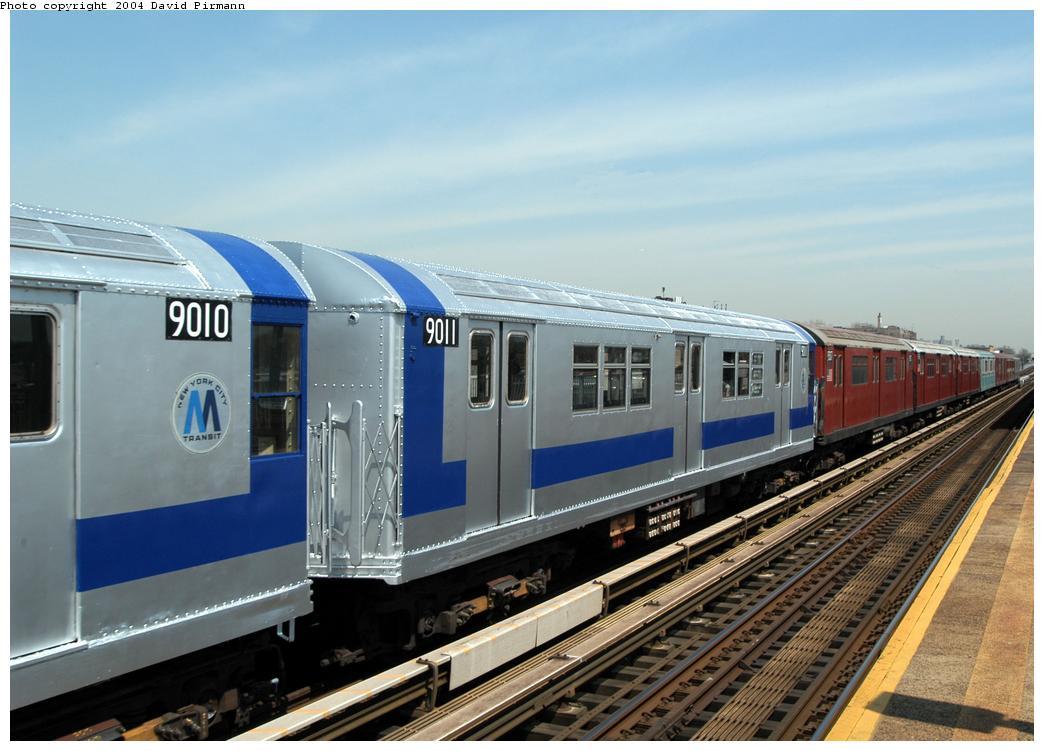 (157k, 1044x751)<br><b>Country:</b> United States<br><b>City:</b> New York<br><b>System:</b> New York City Transit<br><b>Line:</b> IRT Pelham Line<br><b>Location:</b> Zerega Avenue<br><b>Route:</b> Fan Trip<br><b>Car:</b> R-33 Main Line (St. Louis, 1962-63) 9011 <br><b>Photo by:</b> David Pirmann<br><b>Date:</b> 4/17/2004<br><b>Viewed (this week/total):</b> 2 / 7079