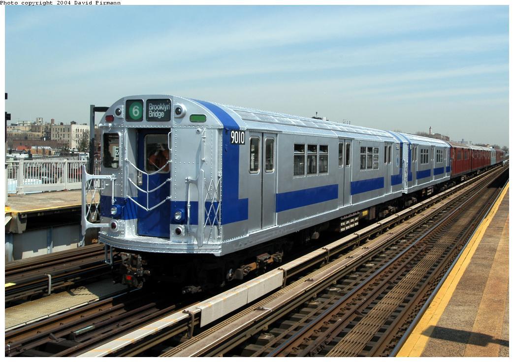 (183k, 1044x735)<br><b>Country:</b> United States<br><b>City:</b> New York<br><b>System:</b> New York City Transit<br><b>Line:</b> IRT Pelham Line<br><b>Location:</b> Zerega Avenue<br><b>Route:</b> Fan Trip<br><b>Car:</b> R-33 Main Line (St. Louis, 1962-63) 9010 <br><b>Photo by:</b> David Pirmann<br><b>Date:</b> 4/17/2004<br><b>Viewed (this week/total):</b> 0 / 8815