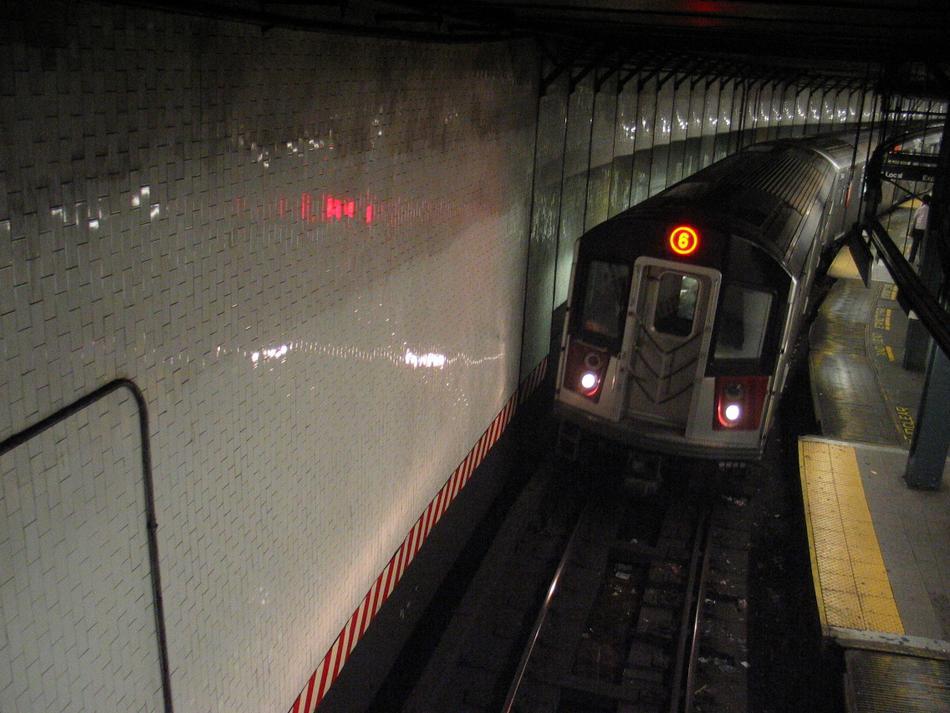 (91k, 950x713)<br><b>Country:</b> United States<br><b>City:</b> New York<br><b>System:</b> New York City Transit<br><b>Line:</b> IRT East Side Line<br><b>Location:</b> 14th Street/Union Square<br><b>Route:</b> 6<br><b>Car:</b> R-142 or R-142A (Number Unknown)  <br><b>Photo by:</b> David of Broadway<br><b>Date:</b> 4/18/2004<br><b>Viewed (this week/total):</b> 0 / 7450
