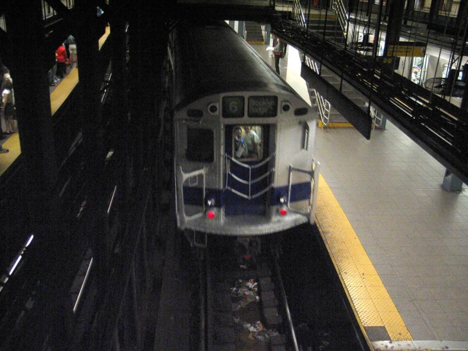 (91k, 949x712)<br><b>Country:</b> United States<br><b>City:</b> New York<br><b>System:</b> New York City Transit<br><b>Line:</b> IRT East Side Line<br><b>Location:</b> 14th Street/Union Square<br><b>Route:</b> Fan Trip<br><b>Car:</b> R-33 Main Line (St. Louis, 1962-63) 9010 <br><b>Photo by:</b> David of Broadway<br><b>Date:</b> 4/18/2004<br><b>Viewed (this week/total):</b> 1 / 5577