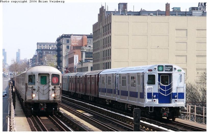 (88k, 820x525)<br><b>Country:</b> United States<br><b>City:</b> New York<br><b>System:</b> New York City Transit<br><b>Line:</b> IRT West Side Line<br><b>Location:</b> 125th Street<br><b>Route:</b> Fan Trip<br><b>Car:</b> R-33 Main Line (St. Louis, 1962-63) 9010 <br><b>Photo by:</b> Brian Weinberg<br><b>Date:</b> 4/18/2004<br><b>Viewed (this week/total):</b> 4 / 5225