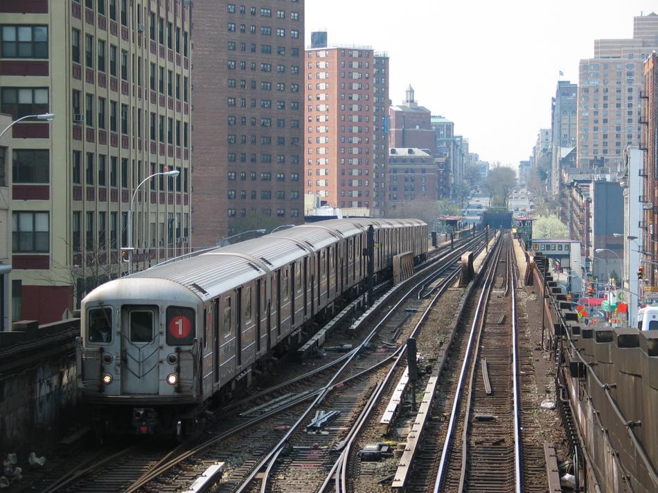 (137k, 950x713)<br><b>Country:</b> United States<br><b>City:</b> New York<br><b>System:</b> New York City Transit<br><b>Line:</b> IRT West Side Line<br><b>Location:</b> 125th Street<br><b>Route:</b> 1<br><b>Car:</b> R-62A (Bombardier, 1984-1987)  <br><b>Photo by:</b> David of Broadway<br><b>Date:</b> 4/18/2004<br><b>Viewed (this week/total):</b> 1 / 5395