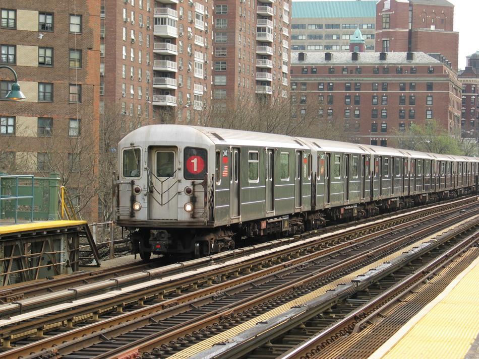 (165k, 950x713)<br><b>Country:</b> United States<br><b>City:</b> New York<br><b>System:</b> New York City Transit<br><b>Line:</b> IRT West Side Line<br><b>Location:</b> 125th Street<br><b>Route:</b> 1<br><b>Car:</b> R-62A (Bombardier, 1984-1987) 2441 <br><b>Photo by:</b> David of Broadway<br><b>Date:</b> 4/18/2004<br><b>Viewed (this week/total):</b> 0 / 4546