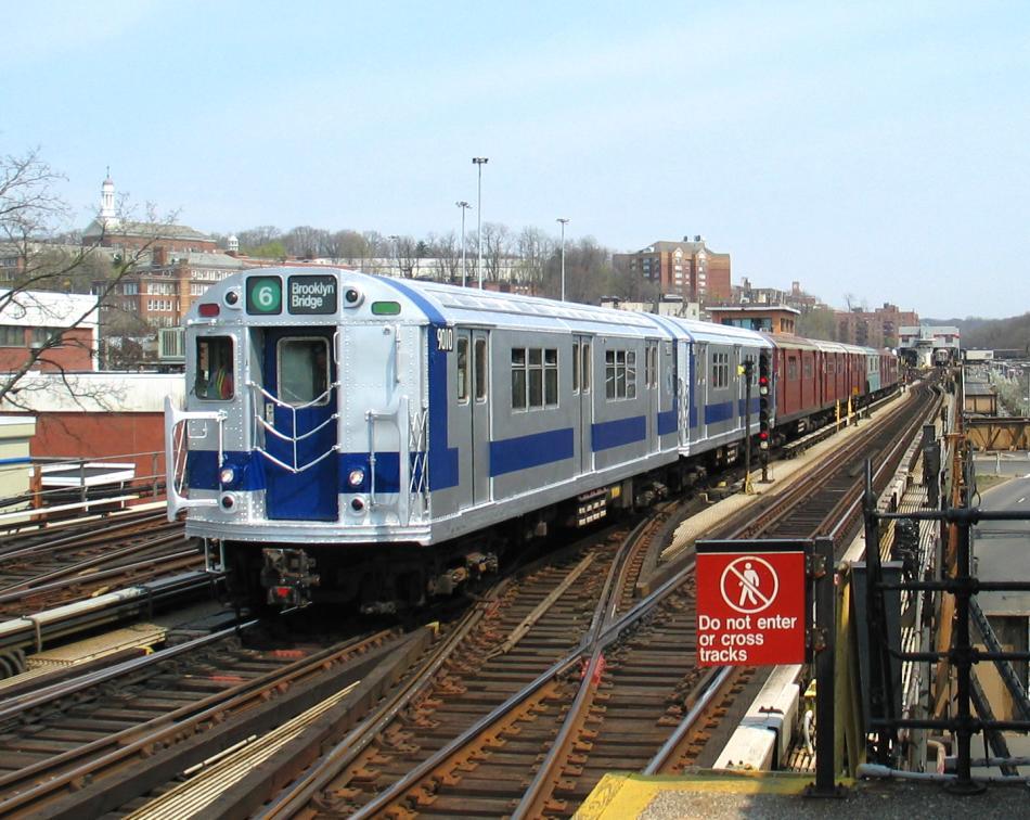 (114k, 950x756)<br><b>Country:</b> United States<br><b>City:</b> New York<br><b>System:</b> New York City Transit<br><b>Line:</b> IRT West Side Line<br><b>Location:</b> 238th Street<br><b>Route:</b> Fan Trip<br><b>Car:</b> R-33 Main Line (St. Louis, 1962-63) 9010 <br><b>Photo by:</b> David of Broadway<br><b>Date:</b> 4/18/2004<br><b>Viewed (this week/total):</b> 2 / 7735