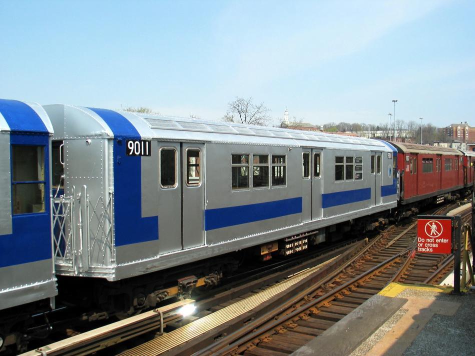 (90k, 949x712)<br><b>Country:</b> United States<br><b>City:</b> New York<br><b>System:</b> New York City Transit<br><b>Line:</b> IRT West Side Line<br><b>Location:</b> 238th Street<br><b>Route:</b> Fan Trip<br><b>Car:</b> R-33 Main Line (St. Louis, 1962-63) 9011 <br><b>Photo by:</b> David of Broadway<br><b>Date:</b> 4/18/2004<br><b>Viewed (this week/total):</b> 0 / 3202
