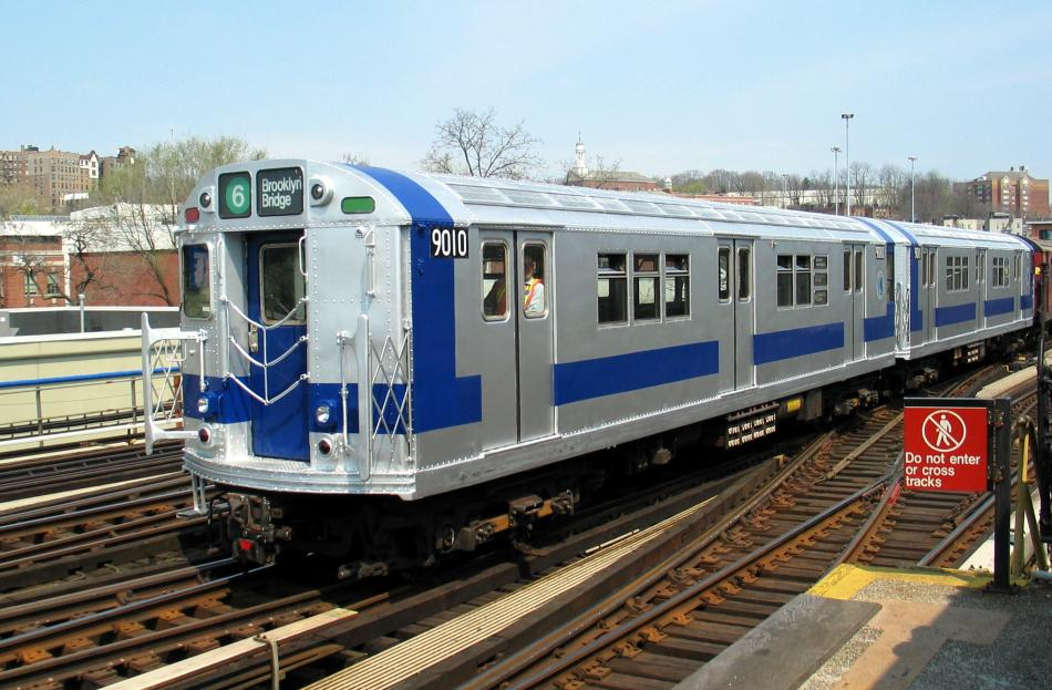 (100k, 950x623)<br><b>Country:</b> United States<br><b>City:</b> New York<br><b>System:</b> New York City Transit<br><b>Line:</b> IRT West Side Line<br><b>Location:</b> 238th Street<br><b>Route:</b> Fan Trip<br><b>Car:</b> R-33 Main Line (St. Louis, 1962-63) 9010 <br><b>Photo by:</b> David of Broadway<br><b>Date:</b> 4/18/2004<br><b>Viewed (this week/total):</b> 3 / 4585