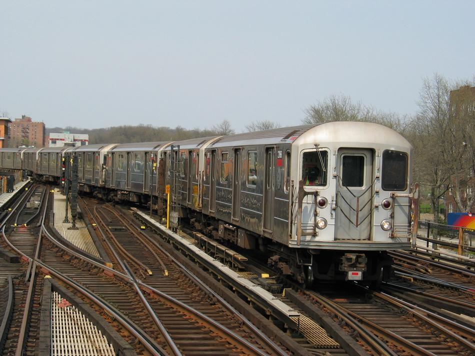 (113k, 950x713)<br><b>Country:</b> United States<br><b>City:</b> New York<br><b>System:</b> New York City Transit<br><b>Line:</b> IRT West Side Line<br><b>Location:</b> 238th Street<br><b>Route:</b> 1<br><b>Car:</b> R-62A (Bombardier, 1984-1987) 2186 <br><b>Photo by:</b> David of Broadway<br><b>Date:</b> 4/18/2004<br><b>Viewed (this week/total):</b> 3 / 3438