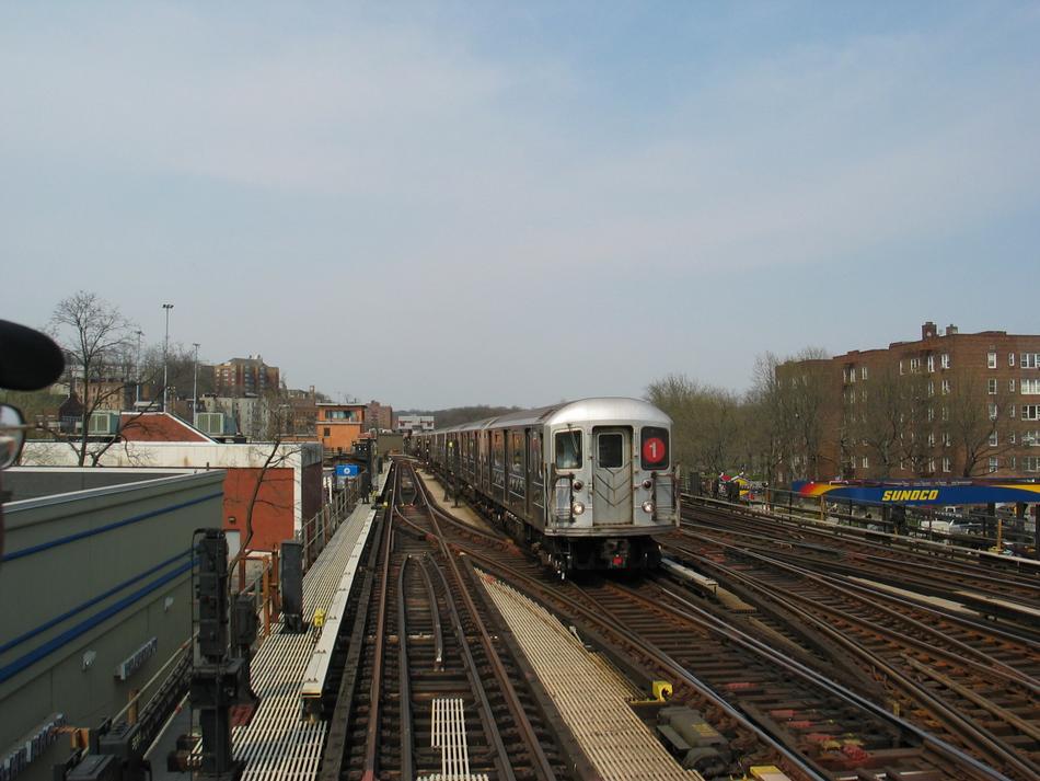 (90k, 950x713)<br><b>Country:</b> United States<br><b>City:</b> New York<br><b>System:</b> New York City Transit<br><b>Line:</b> IRT West Side Line<br><b>Location:</b> 238th Street<br><b>Route:</b> 1<br><b>Car:</b> R-62A (Bombardier, 1984-1987)  <br><b>Photo by:</b> David of Broadway<br><b>Date:</b> 4/18/2004<br><b>Viewed (this week/total):</b> 1 / 3518