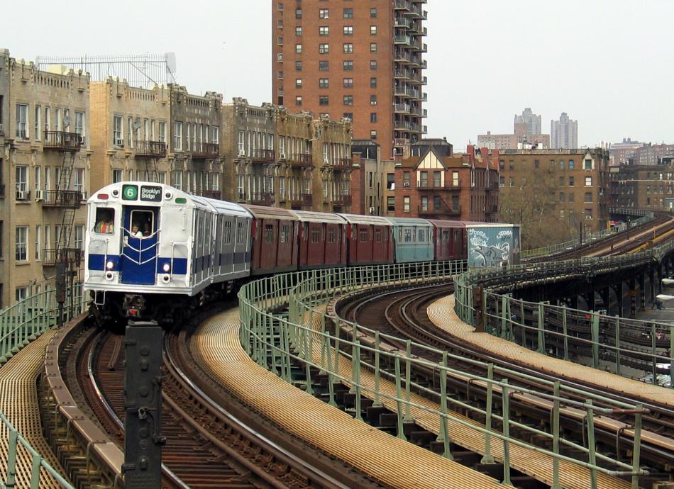 (133k, 950x690)<br><b>Country:</b> United States<br><b>City:</b> New York<br><b>System:</b> New York City Transit<br><b>Line:</b> IRT West Side Line<br><b>Location:</b> Dyckman Street<br><b>Route:</b> Fan Trip<br><b>Car:</b> R-33 Main Line (St. Louis, 1962-63) 9010 <br><b>Photo by:</b> David of Broadway<br><b>Date:</b> 4/18/2004<br><b>Viewed (this week/total):</b> 2 / 5072