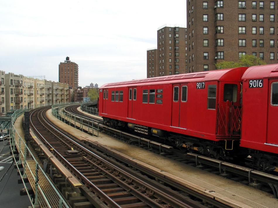 (102k, 950x713)<br><b>Country:</b> United States<br><b>City:</b> New York<br><b>System:</b> New York City Transit<br><b>Line:</b> IRT West Side Line<br><b>Location:</b> Dyckman Street<br><b>Route:</b> Fan Trip<br><b>Car:</b> R-33 Main Line (St. Louis, 1962-63) 9017 <br><b>Photo by:</b> David of Broadway<br><b>Date:</b> 4/25/2004<br><b>Viewed (this week/total):</b> 2 / 3567