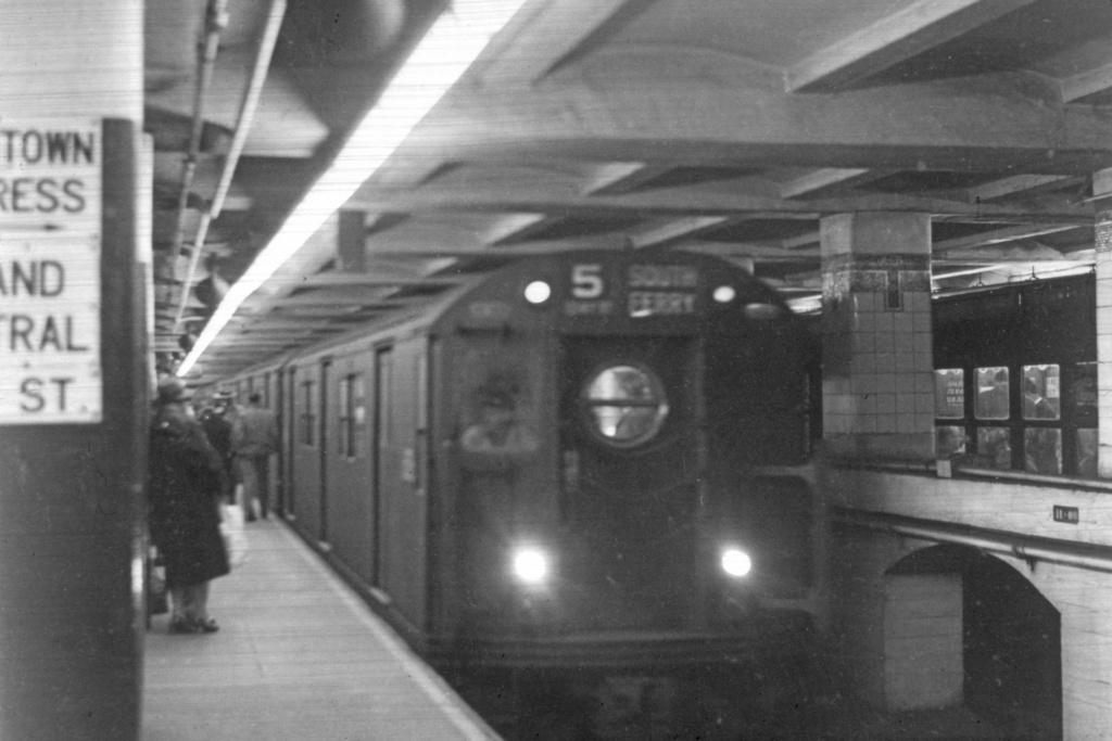 (194k, 1024x683)<br><b>Country:</b> United States<br><b>City:</b> New York<br><b>System:</b> New York City Transit<br><b>Line:</b> IRT East Side Line<br><b>Location:</b> Grand Central<br><b>Route:</b> 5<br><b>Car:</b> R-17 (St. Louis, 1955-56)  <br><b>Collection of:</b> David Pirmann<br><b>Viewed (this week/total):</b> 1 / 8217