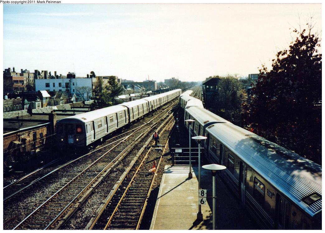 (440k, 1044x751)<br><b>Country:</b> United States<br><b>City:</b> New York<br><b>System:</b> New York City Transit<br><b>Line:</b> BMT Brighton Line<br><b>Location:</b> Kings Highway<br><b>Route:</b> D<br><b>Car:</b> R-68 (Westinghouse-Amrail, 1986-1988)  <br><b>Photo by:</b> Mark S. Feinman<br><b>Date:</b> 11/22/1989<br><b>Viewed (this week/total):</b> 0 / 2603