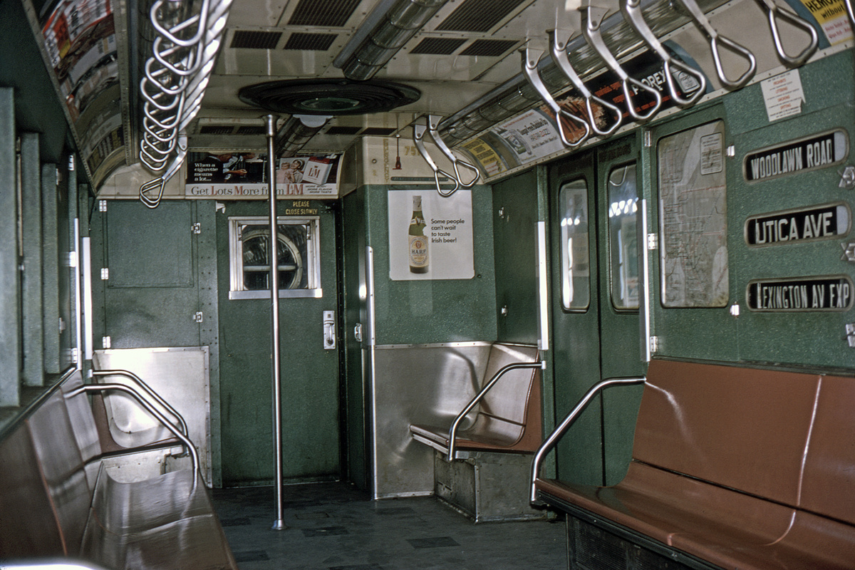 (509k, 1200x800)<br><b>Country:</b> United States<br><b>City:</b> New York<br><b>System:</b> New York City Transit<br><b>Route:</b> 4<br><b>Car:</b> R-22 (St. Louis, 1957-58) 7515 <br><b>Collection of:</b> David Pirmann<br><b>Date:</b> 2/9/1964<br><b>Viewed (this week/total):</b> 5 / 15134
