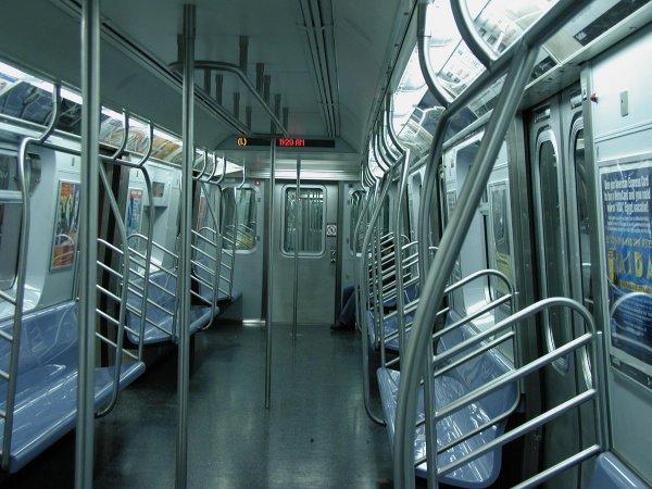 (70k, 600x450)<br><b>Country:</b> United States<br><b>City:</b> New York<br><b>System:</b> New York City Transit<br><b>Car:</b> R-143 (Kawasaki, 2001-2002) Interior <br><b>Photo by:</b> Clayton Parker<br><b>Date:</b> 12/15/2001<br><b>Viewed (this week/total):</b> 1 / 20983