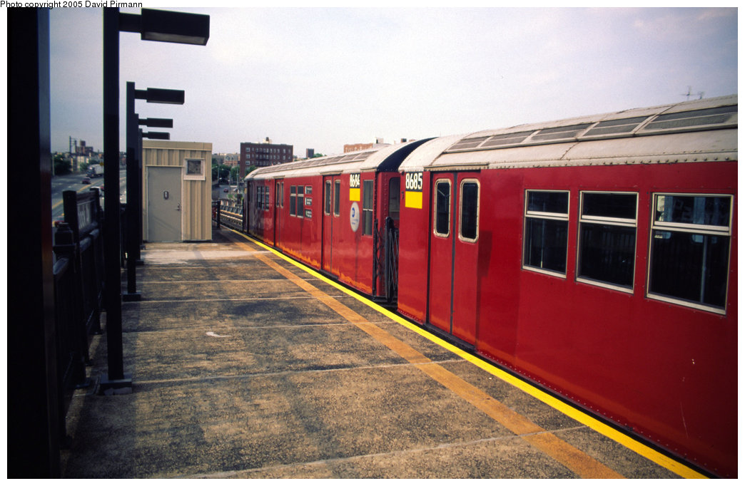 (179k, 1044x682)<br><b>Country:</b> United States<br><b>City:</b> New York<br><b>System:</b> New York City Transit<br><b>Line:</b> IRT Pelham Line<br><b>Location:</b> Whitlock Avenue<br><b>Route:</b> 6<br><b>Car:</b> R-29 (St. Louis, 1962) 8684 <br><b>Photo by:</b> David Pirmann<br><b>Date:</b> 7/21/1999<br><b>Viewed (this week/total):</b> 3 / 4379
