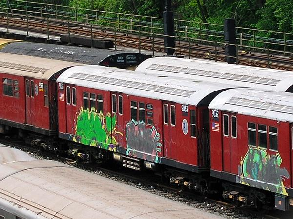 (92k, 600x450)<br><b>Country:</b> United States<br><b>City:</b> New York<br><b>System:</b> New York City Transit<br><b>Location:</b> Concourse Yard<br><b>Car:</b> R-33 Main Line (St. Louis, 1962-63) 9033 <br><b>Photo by:</b> Trevor Logan<br><b>Date:</b> 5/9/2004<br><b>Viewed (this week/total):</b> 2 / 7122