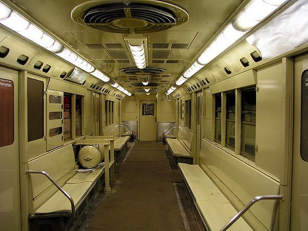 (75k, 600x450)<br><b>Country:</b> United States<br><b>City:</b> New York<br><b>System:</b> New York City Transit<br><b>Location:</b> New York Transit Museum<br><b>Car:</b> R-22 (St. Louis, 1957-58) 37371 <br><b>Photo by:</b> Trevor Logan<br><b>Date:</b> 5/16/2004<br><b>Viewed (this week/total):</b> 5 / 19421