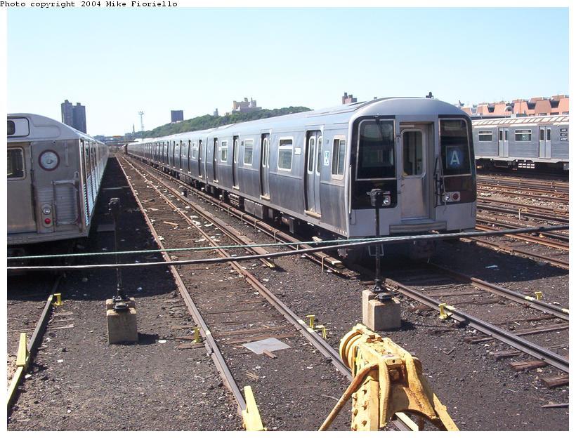 (113k, 820x624)<br><b>Country:</b> United States<br><b>City:</b> New York<br><b>System:</b> New York City Transit<br><b>Location:</b> 207th Street Yard<br><b>Car:</b> R-110B (Bombardier, 1992) 3009 <br><b>Photo by:</b> Mike Fioriello<br><b>Date:</b> 8/24/2003<br><b>Viewed (this week/total):</b> 3 / 7861