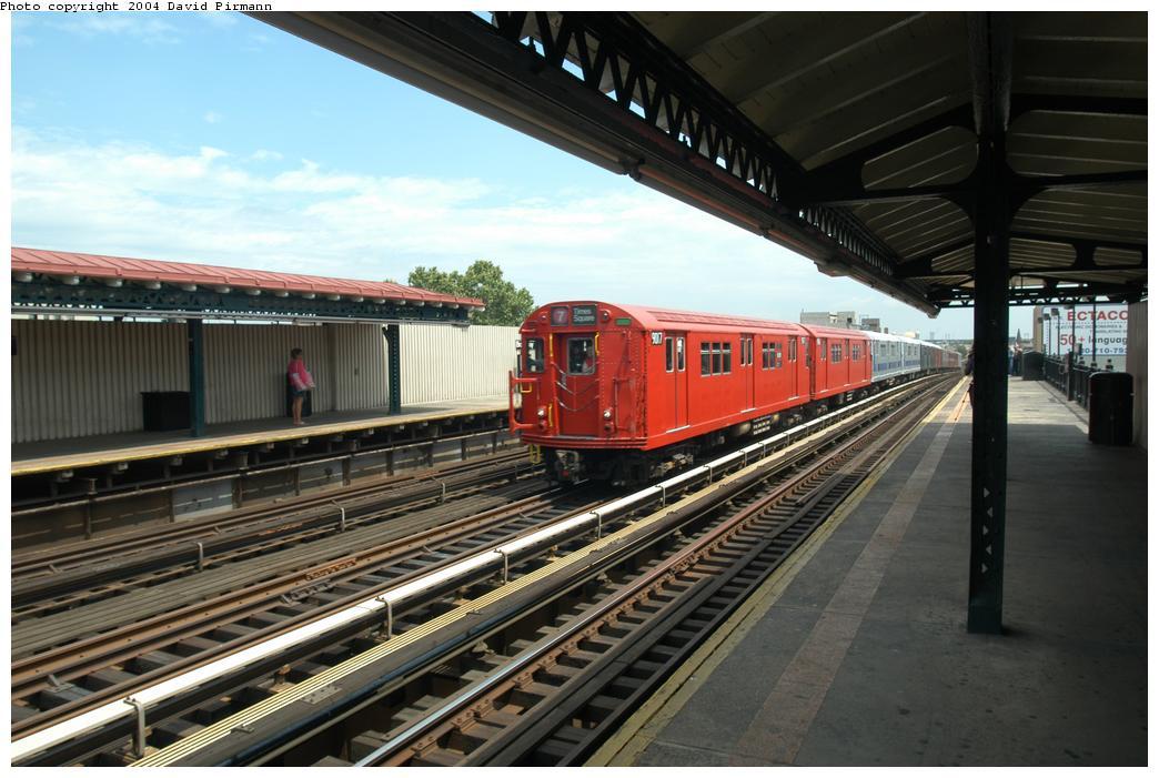 (158k, 1044x701)<br><b>Country:</b> United States<br><b>City:</b> New York<br><b>System:</b> New York City Transit<br><b>Line:</b> BMT Astoria Line<br><b>Location:</b> Broadway<br><b>Route:</b> Fan Trip<br><b>Car:</b> R-33 Main Line (St. Louis, 1962-63) 9017 <br><b>Photo by:</b> David Pirmann<br><b>Date:</b> 6/19/2004<br><b>Viewed (this week/total):</b> 4 / 2925