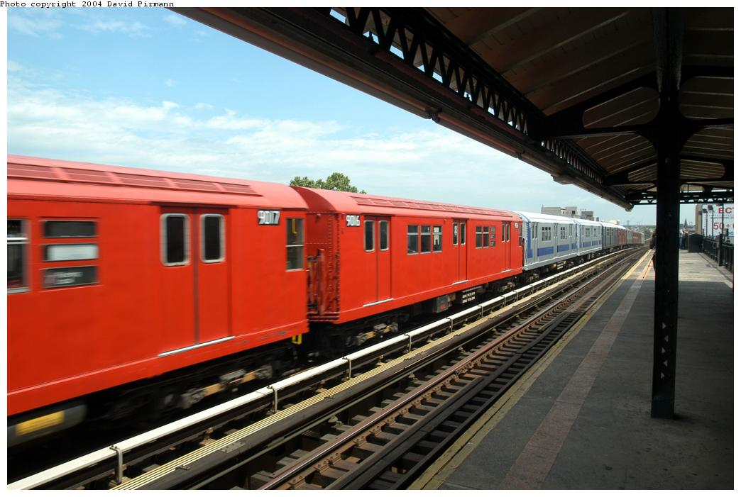 (150k, 1044x701)<br><b>Country:</b> United States<br><b>City:</b> New York<br><b>System:</b> New York City Transit<br><b>Line:</b> BMT Astoria Line<br><b>Location:</b> Broadway<br><b>Route:</b> Fan Trip<br><b>Car:</b> R-33 Main Line (St. Louis, 1962-63) 9016 <br><b>Photo by:</b> David Pirmann<br><b>Date:</b> 6/19/2004<br><b>Viewed (this week/total):</b> 1 / 3473