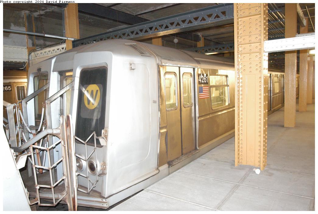 (147k, 1044x701)<br><b>Country:</b> United States<br><b>City:</b> New York<br><b>System:</b> New York City Transit<br><b>Line:</b> BMT Broadway Line<br><b>Location:</b> City Hall Lower Level<br><b>Car:</b> R-40 (St. Louis, 1968) 4261 <br><b>Photo by:</b> David Pirmann<br><b>Date:</b> 6/19/2004<br><b>Notes:</b> View from east platform<br><b>Viewed (this week/total):</b> 5 / 15256