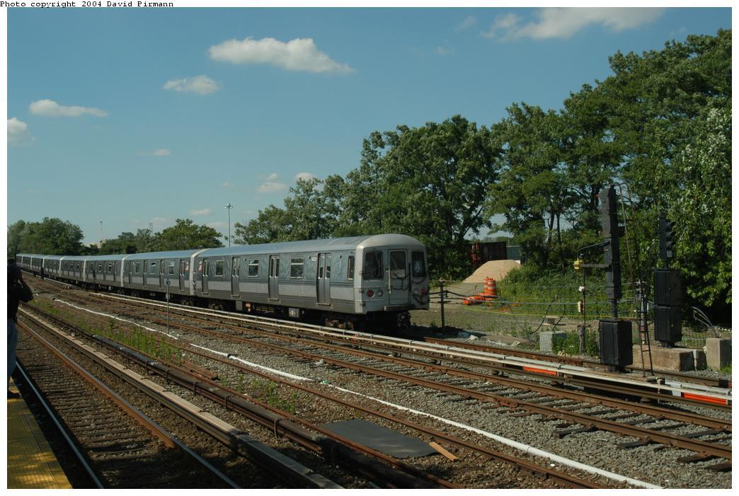 (179k, 1044x701)<br><b>Country:</b> United States<br><b>City:</b> New York<br><b>System:</b> New York City Transit<br><b>Line:</b> IND Rockaway Line<br><b>Location:</b> Howard Beach/JFK Airport<br><b>Route:</b> A<br><b>Car:</b> R-44 (St. Louis, 1971-73) 5420 <br><b>Photo by:</b> David Pirmann<br><b>Date:</b> 6/19/2004<br><b>Viewed (this week/total):</b> 2 / 3981