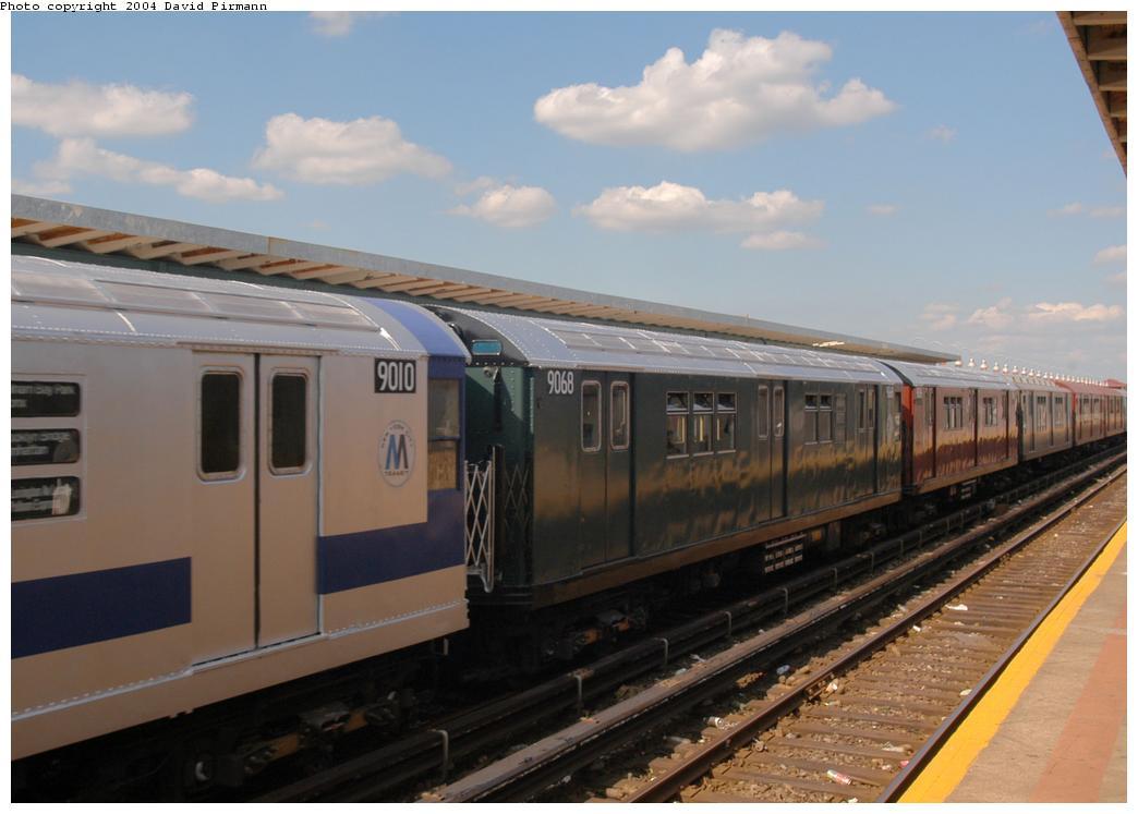(132k, 1044x747)<br><b>Country:</b> United States<br><b>City:</b> New York<br><b>System:</b> New York City Transit<br><b>Line:</b> IND Rockaway Line<br><b>Location:</b> Beach 90th Street/Holland<br><b>Route:</b> Fan Trip<br><b>Car:</b> R-33 Main Line (St. Louis, 1962-63) 9068 <br><b>Photo by:</b> David Pirmann<br><b>Date:</b> 6/19/2004<br><b>Viewed (this week/total):</b> 1 / 3427