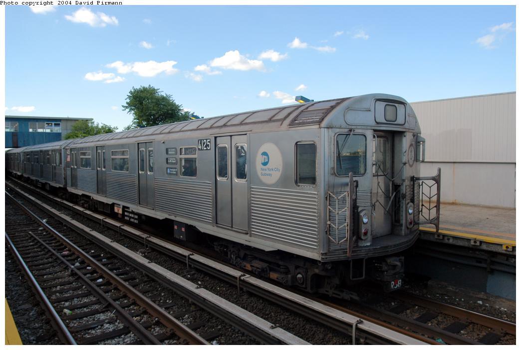(144k, 1044x701)<br><b>Country:</b> United States<br><b>City:</b> New York<br><b>System:</b> New York City Transit<br><b>Line:</b> IND Rockaway Line<br><b>Location:</b> Broad Channel<br><b>Route:</b> A<br><b>Car:</b> R-38 (St. Louis, 1966-1967) 4125 <br><b>Photo by:</b> David Pirmann<br><b>Date:</b> 6/19/2004<br><b>Viewed (this week/total):</b> 1 / 3218