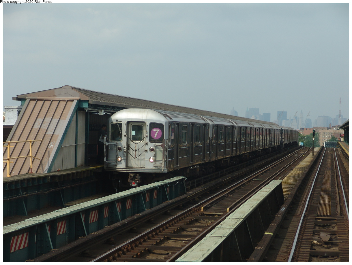 (349k, 1220x920)<br><b>Country:</b> United States<br><b>City:</b> New York<br><b>System:</b> New York City Transit<br><b>Line:</b> IRT Flushing Line<br><b>Location:</b> 52nd Street/Lincoln Avenue<br><b>Route:</b> 7<br><b>Car:</b> R-62A (Bombardier, 1984-1987) 1656 <br><b>Photo by:</b> Richard Panse<br><b>Date:</b> 6/19/2004<br><b>Viewed (this week/total):</b> 1 / 4491