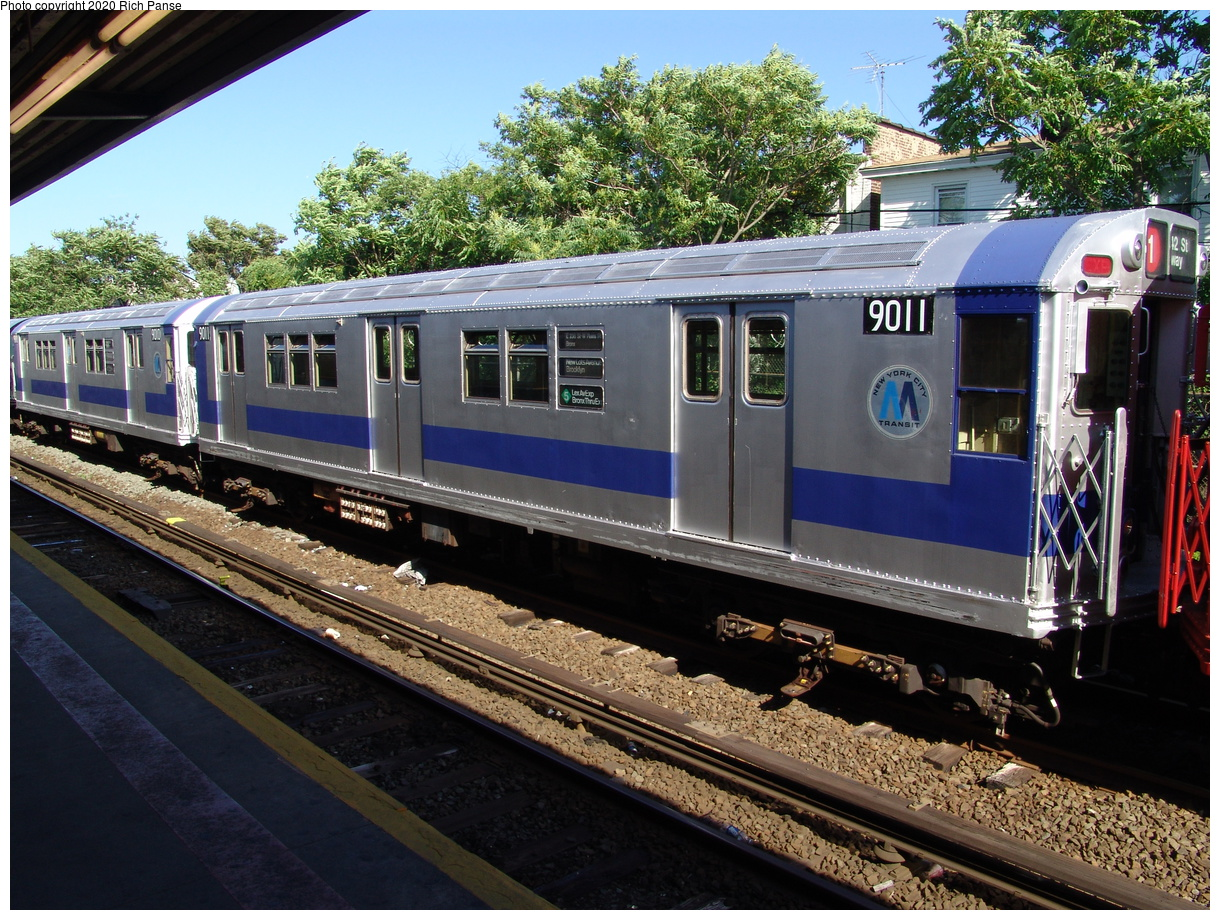 (559k, 1220x920)<br><b>Country:</b> United States<br><b>City:</b> New York<br><b>System:</b> New York City Transit<br><b>Line:</b> IND Rockaway Line<br><b>Location:</b> Rockaway Park/Beach 116th Street<br><b>Route:</b> Fan Trip<br><b>Car:</b> R-33 Main Line (St. Louis, 1962-63) 9011 <br><b>Photo by:</b> Richard Panse<br><b>Date:</b> 6/19/2004<br><b>Viewed (this week/total):</b> 1 / 3096