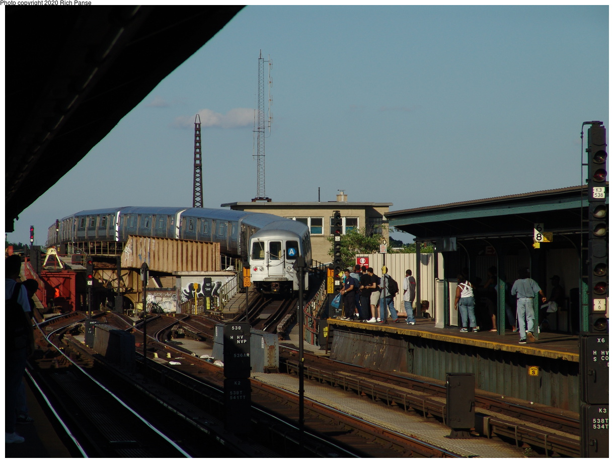 (365k, 1220x920)<br><b>Country:</b> United States<br><b>City:</b> New York<br><b>System:</b> New York City Transit<br><b>Line:</b> IND Fulton Street Line<br><b>Location:</b> Rockaway Boulevard<br><b>Route:</b> A<br><b>Car:</b> R-44 (St. Louis, 1971-73) 5232 <br><b>Photo by:</b> Richard Panse<br><b>Date:</b> 6/19/2004<br><b>Viewed (this week/total):</b> 4 / 5767