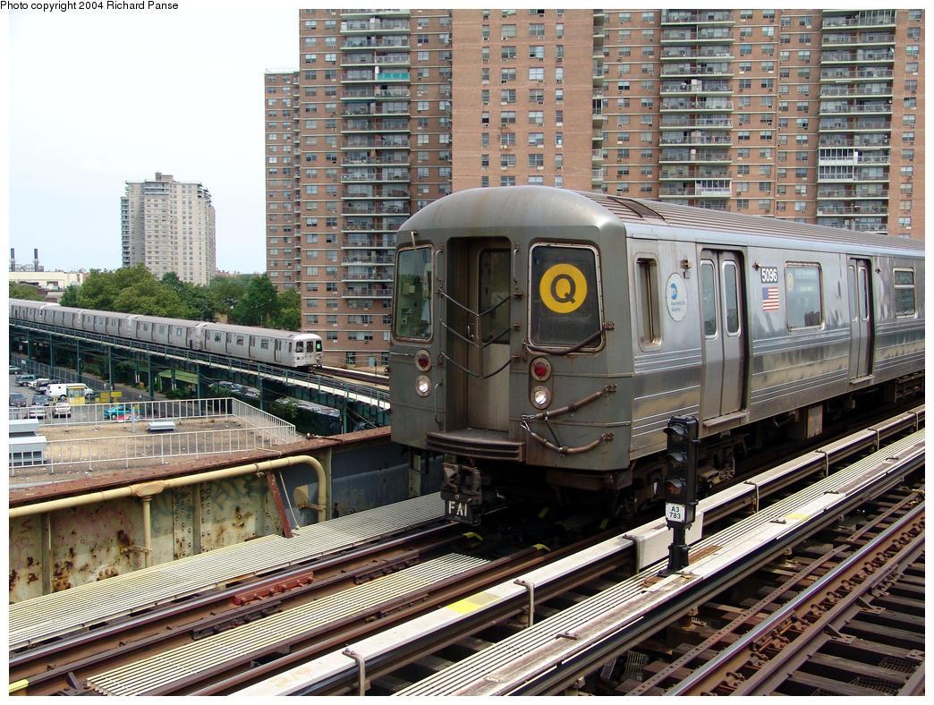 (243k, 1044x788)<br><b>Country:</b> United States<br><b>City:</b> New York<br><b>System:</b> New York City Transit<br><b>Line:</b> BMT Brighton Line<br><b>Location:</b> West 8th Street<br><b>Route:</b> Q<br><b>Car:</b> R-68A (Kawasaki, 1988-1989) 5096 <br><b>Photo by:</b> Richard Panse<br><b>Date:</b> 7/25/2004<br><b>Viewed (this week/total):</b> 4 / 5273