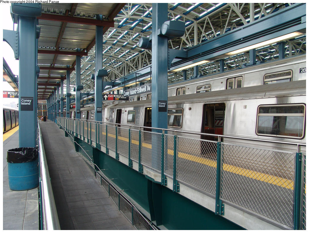 (234k, 1044x788)<br><b>Country:</b> United States<br><b>City:</b> New York<br><b>System:</b> New York City Transit<br><b>Location:</b> Coney Island/Stillwell Avenue<br><b>Route:</b> G<br><b>Car:</b> R-46 (Pullman-Standard, 1974-75) 5567 <br><b>Photo by:</b> Richard Panse<br><b>Date:</b> 7/18/2004<br><b>Viewed (this week/total):</b> 0 / 5762