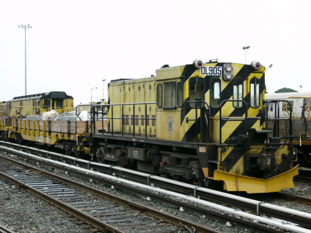 (158k, 640x480)<br><b>Country:</b> United States<br><b>City:</b> New York<br><b>System:</b> New York City Transit<br><b>Location:</b> 36th Street Yard<br><b>Car:</b> R-120 Locomotive 905 <br><b>Photo by:</b> Daniel DeAmicis<br><b>Date:</b> 7/18/2004<br><b>Viewed (this week/total):</b> 0 / 4024