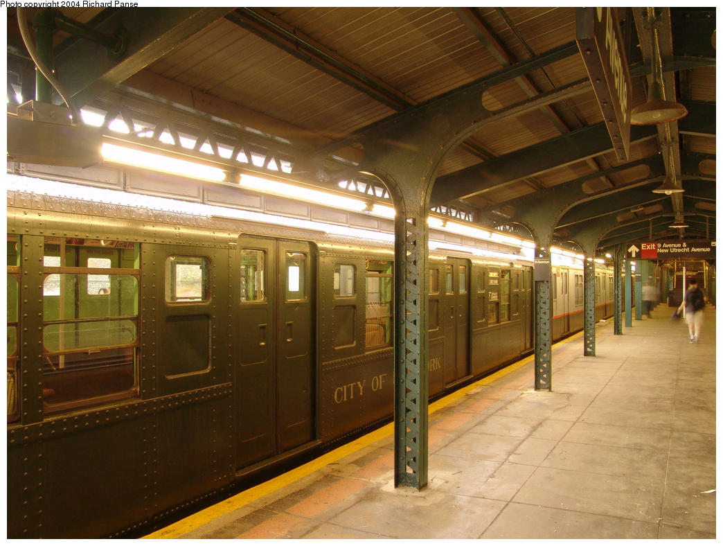 (168k, 1044x788)<br><b>Country:</b> United States<br><b>City:</b> New York<br><b>System:</b> New York City Transit<br><b>Line:</b> BMT West End Line<br><b>Location:</b> 9th Avenue<br><b>Route:</b> Fan Trip<br><b>Car:</b> R-4 (American Car & Foundry, 1932-1933) 484 <br><b>Photo by:</b> Richard Panse<br><b>Date:</b> 7/18/2004<br><b>Viewed (this week/total):</b> 0 / 3217