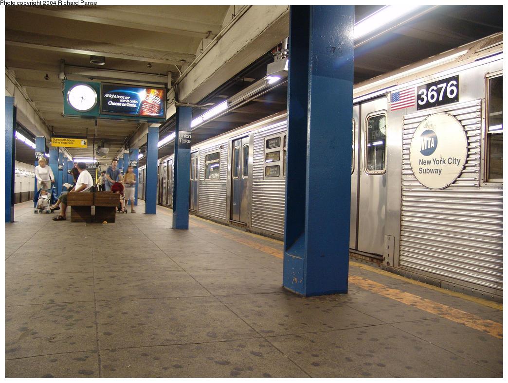 (189k, 1044x788)<br><b>Country:</b> United States<br><b>City:</b> New York<br><b>System:</b> New York City Transit<br><b>Line:</b> IND Queens Boulevard Line<br><b>Location:</b> Union Turnpike/Kew Gardens<br><b>Route:</b> R<br><b>Car:</b> R-32 (Budd, 1964) 3676 <br><b>Photo by:</b> Richard Panse<br><b>Date:</b> 7/18/2004<br><b>Viewed (this week/total):</b> 0 / 6085