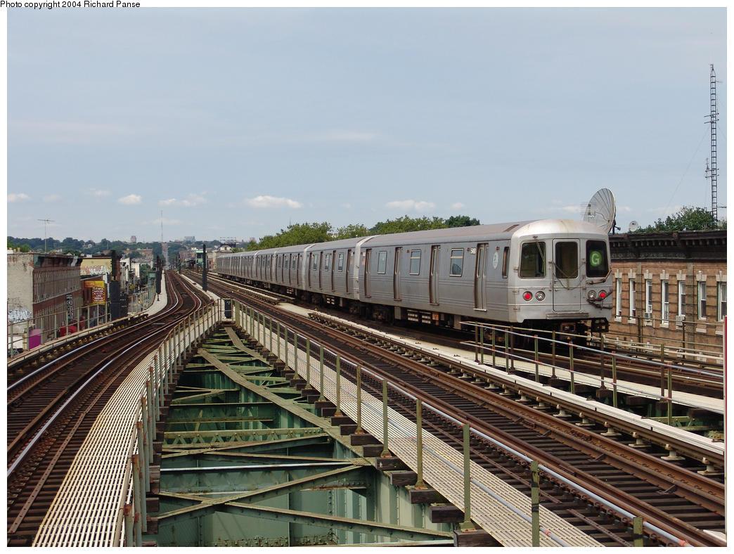 (190k, 1044x788)<br><b>Country:</b> United States<br><b>City:</b> New York<br><b>System:</b> New York City Transit<br><b>Line:</b> BMT Culver Line<br><b>Location:</b> 18th Avenue<br><b>Route:</b> G<br><b>Car:</b> R-46 (Pullman-Standard, 1974-75) 5490 <br><b>Photo by:</b> Richard Panse<br><b>Date:</b> 7/25/2004<br><b>Viewed (this week/total):</b> 5 / 5827