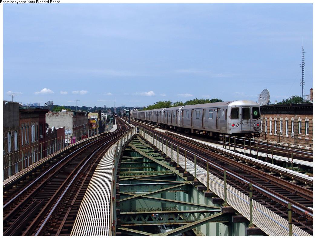(189k, 1044x788)<br><b>Country:</b> United States<br><b>City:</b> New York<br><b>System:</b> New York City Transit<br><b>Line:</b> BMT Culver Line<br><b>Location:</b> 18th Avenue<br><b>Route:</b> G<br><b>Car:</b> R-46 (Pullman-Standard, 1974-75) 5982 <br><b>Photo by:</b> Richard Panse<br><b>Date:</b> 7/25/2004<br><b>Viewed (this week/total):</b> 6 / 4482