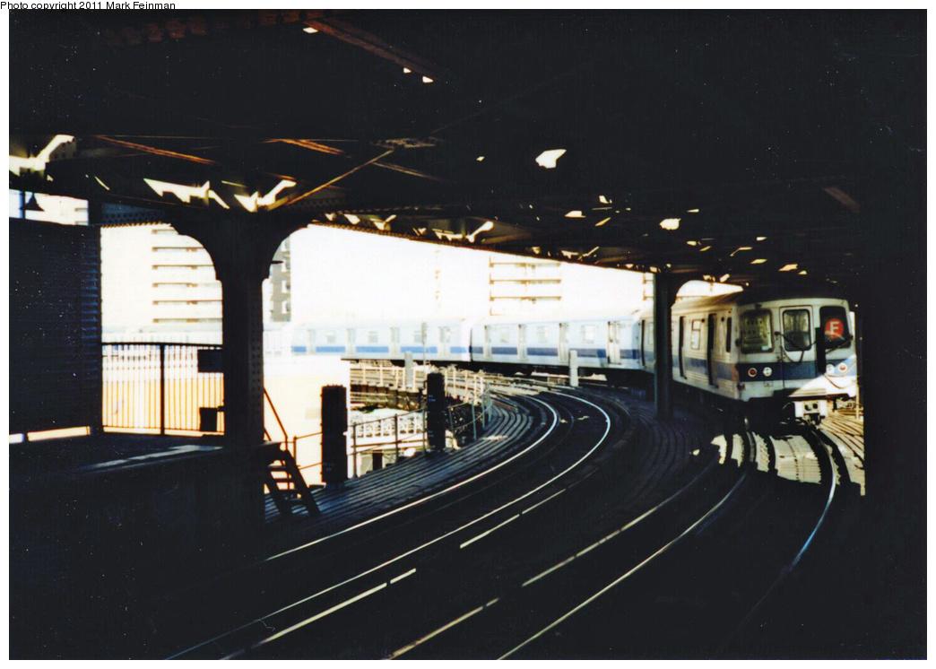 (279k, 1044x746)<br><b>Country:</b> United States<br><b>City:</b> New York<br><b>System:</b> New York City Transit<br><b>Line:</b> BMT Culver Line<br><b>Location:</b> West 8th Street<br><b>Route:</b> F<br><b>Car:</b> R-46 (Pullman-Standard, 1974-75)  <br><b>Photo by:</b> Mark S. Feinman<br><b>Date:</b> 11/22/1989<br><b>Viewed (this week/total):</b> 2 / 2027