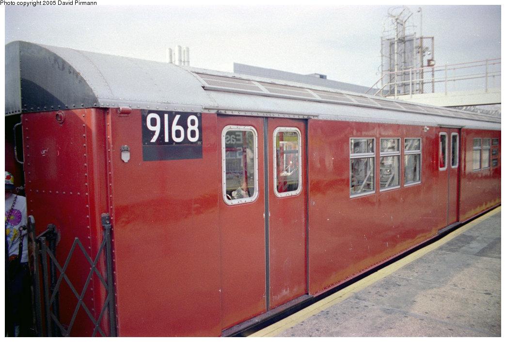 (175k, 1044x705)<br><b>Country:</b> United States<br><b>City:</b> New York<br><b>System:</b> New York City Transit<br><b>Line:</b> IRT White Plains Road Line<br><b>Location:</b> East 180th Street<br><b>Car:</b> R-33 Main Line (St. Louis, 1962-63) 9168 <br><b>Photo by:</b> David Pirmann<br><b>Date:</b> 9/13/1998<br><b>Viewed (this week/total):</b> 3 / 4446