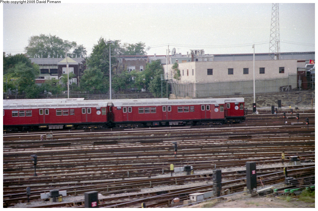 (213k, 1044x695)<br><b>Country:</b> United States<br><b>City:</b> New York<br><b>System:</b> New York City Transit<br><b>Location:</b> 239th Street Yard<br><b>Car:</b> R-33 Main Line (St. Louis, 1962-63) 9096 <br><b>Photo by:</b> David Pirmann<br><b>Date:</b> 9/13/1998<br><b>Viewed (this week/total):</b> 3 / 5004