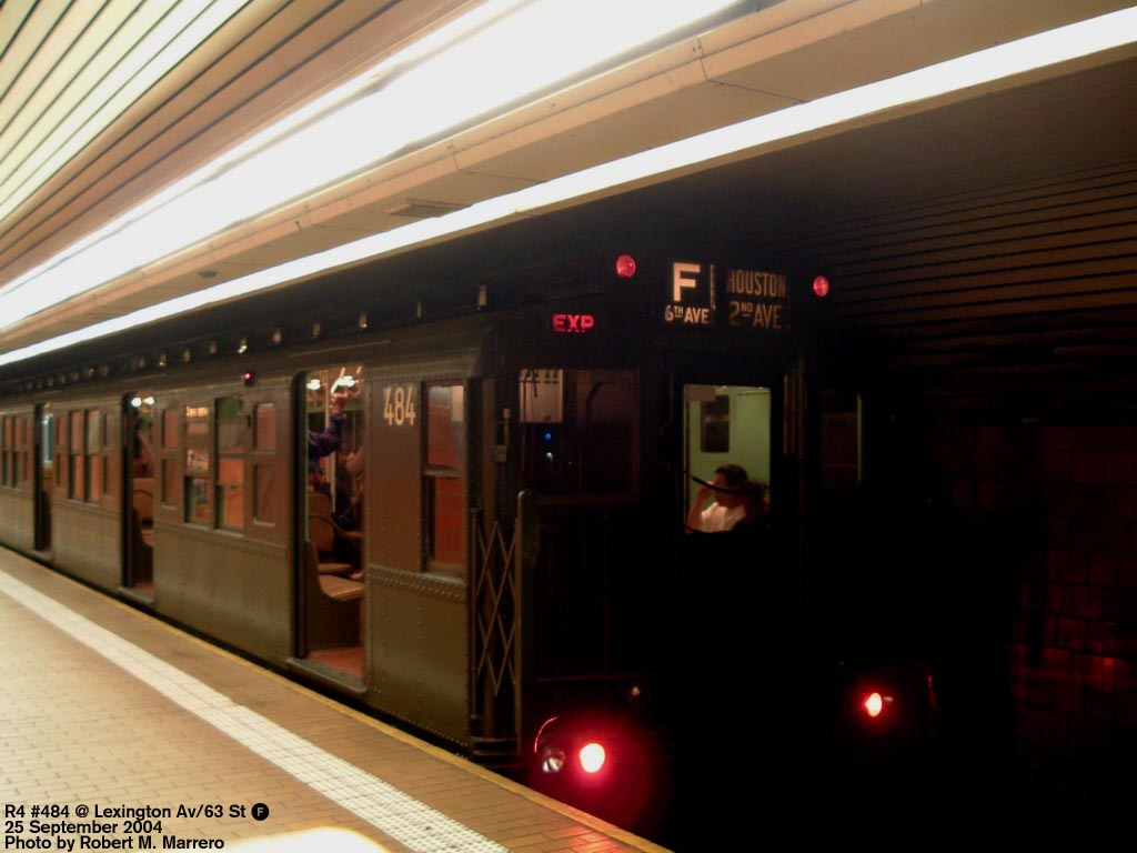 (108k, 1024x768)<br><b>Country:</b> United States<br><b>City:</b> New York<br><b>System:</b> New York City Transit<br><b>Line:</b> IND 63rd Street Line<br><b>Location:</b> Lexington Avenue-63rd Street<br><b>Route:</b> Fan Trip<br><b>Car:</b> R-4 (American Car & Foundry, 1932-1933) 484 <br><b>Photo by:</b> Robert Marrero<br><b>Date:</b> 9/25/2004<br><b>Notes:</b> Museum train in service on a shortened F line, 2nd Ave. to 71st Ave. or 179th St.<br><b>Viewed (this week/total):</b> 1 / 5722