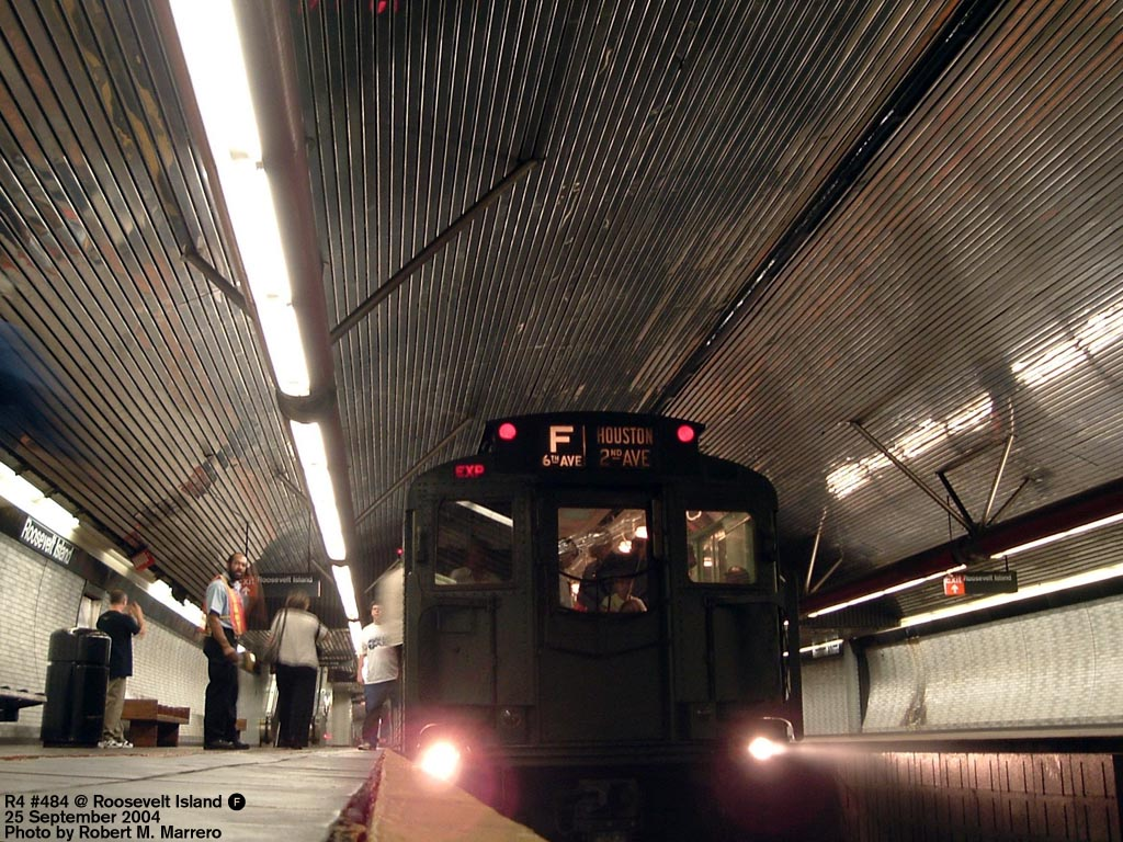 (213k, 1024x768)<br><b>Country:</b> United States<br><b>City:</b> New York<br><b>System:</b> New York City Transit<br><b>Line:</b> IND 63rd Street Line<br><b>Location:</b> Roosevelt Island<br><b>Route:</b> Fan Trip<br><b>Car:</b> R-4 (American Car & Foundry, 1932-1933) 484 <br><b>Photo by:</b> Robert Marrero<br><b>Date:</b> 9/25/2004<br><b>Notes:</b> Museum train in service on a shortened F line, 2nd Ave. to 71st Ave. or 179th St.<br><b>Viewed (this week/total):</b> 1 / 6530