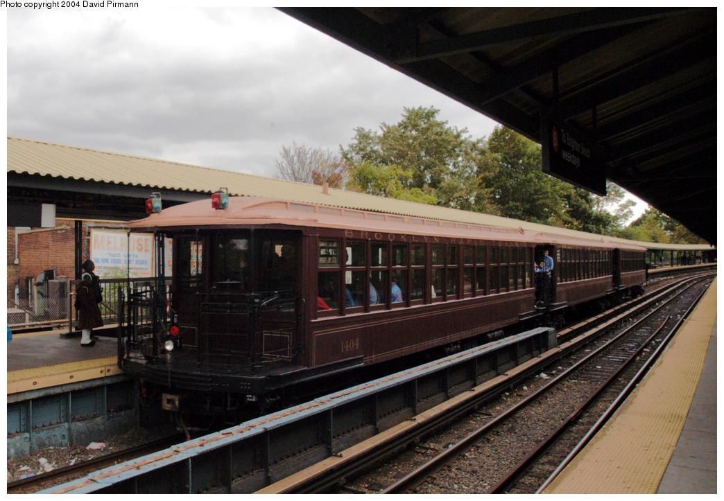 (191k, 1044x723)<br><b>Country:</b> United States<br><b>City:</b> New York<br><b>System:</b> New York City Transit<br><b>Line:</b> BMT Brighton Line<br><b>Location:</b> Sheepshead Bay<br><b>Route:</b> Fan Trip<br><b>Car:</b> BMT Elevated Gate Car 1404 <br><b>Photo by:</b> David Pirmann<br><b>Date:</b> 10/23/2004<br><b>Viewed (this week/total):</b> 1 / 3126