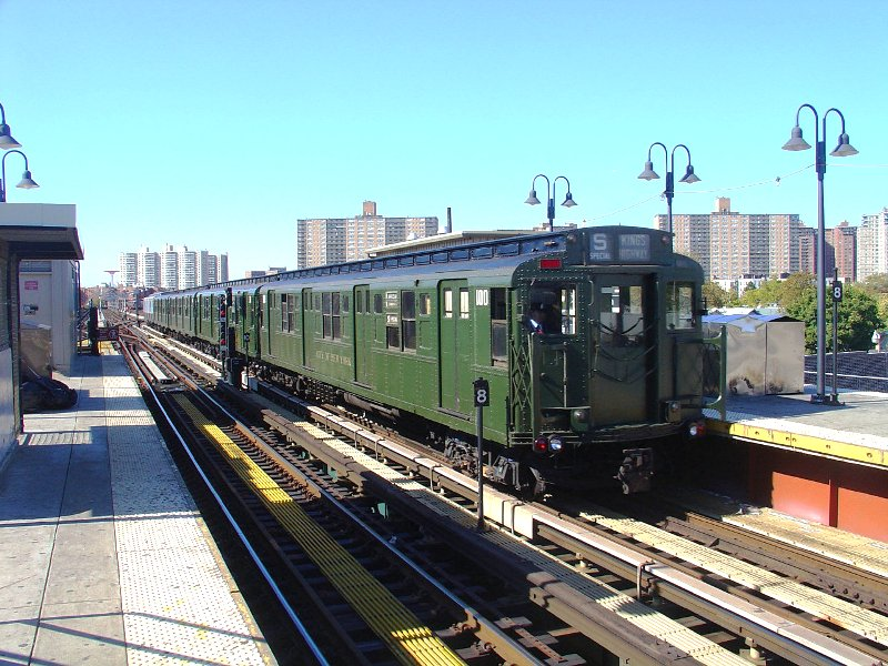 (130k, 800x600)<br><b>Country:</b> United States<br><b>City:</b> New York<br><b>System:</b> New York City Transit<br><b>Line:</b> BMT Brighton Line<br><b>Location:</b> Brighton Beach<br><b>Route:</b> Fan Trip<br><b>Car:</b> R-1 (American Car & Foundry, 1930-1931) 100 <br><b>Photo by:</b> Fred Guenther<br><b>Date:</b> 10/23/2004<br><b>Viewed (this week/total):</b> 4 / 4662
