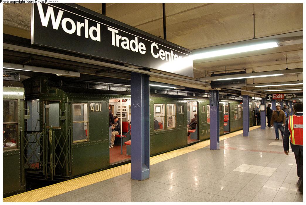 (270k, 1044x701)<br><b>Country:</b> United States<br><b>City:</b> New York<br><b>System:</b> New York City Transit<br><b>Line:</b> IND 8th Avenue Line<br><b>Location:</b> Chambers Street/World Trade Center<br><b>Route:</b> Fan Trip<br><b>Car:</b> R-4 (American Car & Foundry, 1932-1933) 401 <br><b>Photo by:</b> David Pirmann<br><b>Date:</b> 11/6/2004<br><b>Viewed (this week/total):</b> 0 / 4976