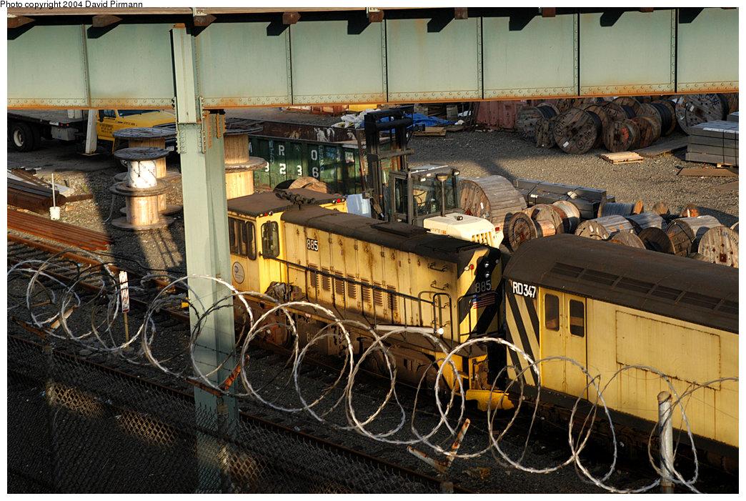 (292k, 1044x701)<br><b>Country:</b> United States<br><b>City:</b> New York<br><b>System:</b> New York City Transit<br><b>Location:</b> 207th Street Yard<br><b>Car:</b> R-77 Locomotive 885 <br><b>Photo by:</b> David Pirmann<br><b>Date:</b> 11/6/2004<br><b>Viewed (this week/total):</b> 6 / 2802